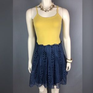 Elie Tahari silk navy pleated eyelet skirt size 4